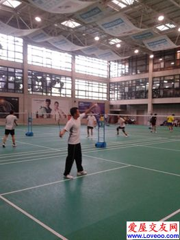 华侨城羽毛球*白石洲沙河羽毛球馆&每周三晚8-10点球场