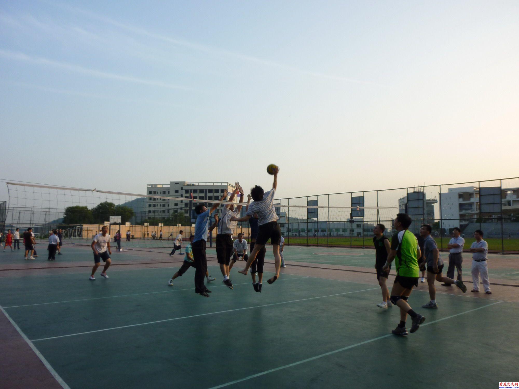 第一次去清华实验学校打球照