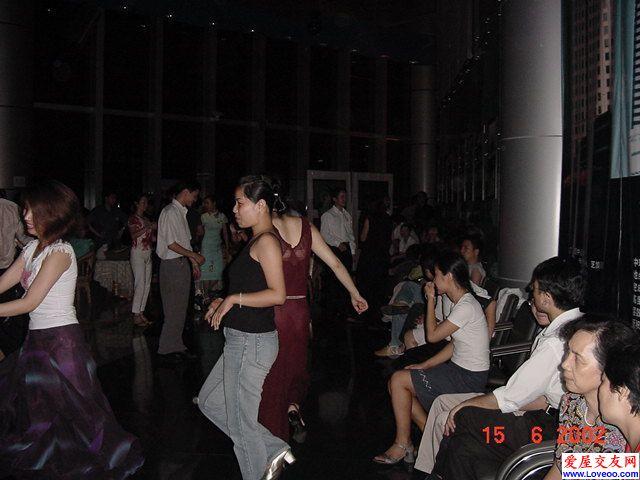 轻歌曼舞俱乐部