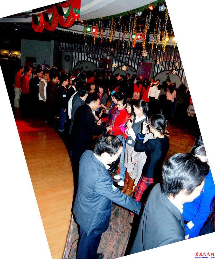 点击查看 爱屋深圳单身交友派对★DJ★女士预报名且2点前到免费参加 全部照片